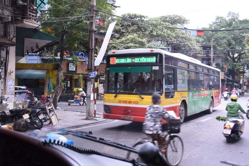 como ir del aeropuerto al centro de hanoi