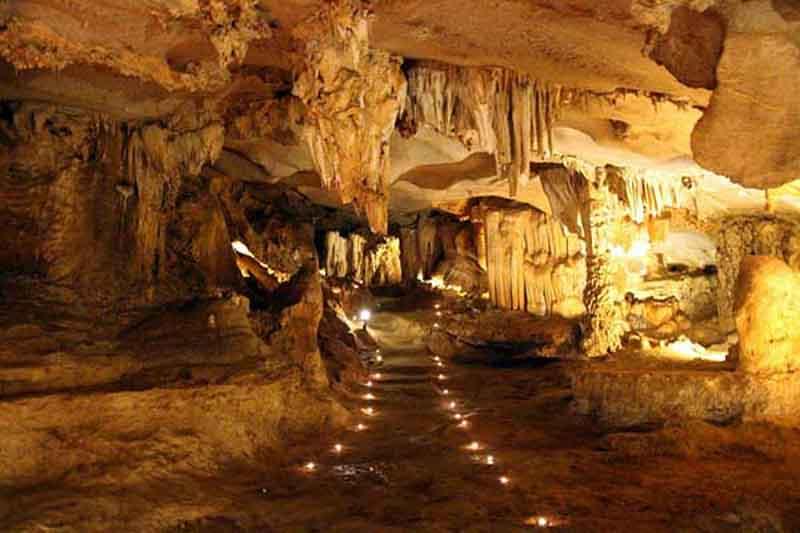 cueva de thien canh son bahia de halong