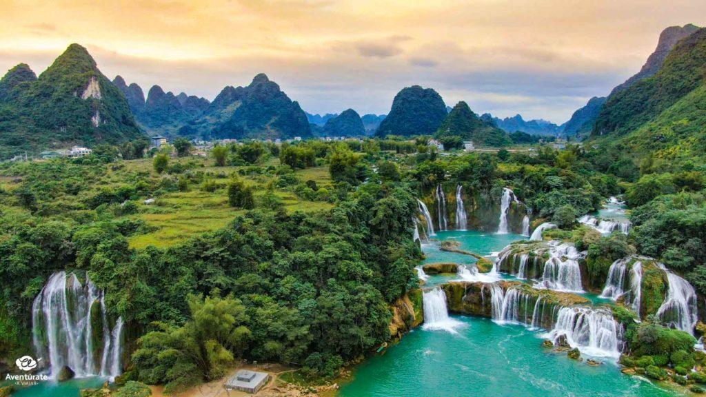 ban gioc waterfall en vietnam