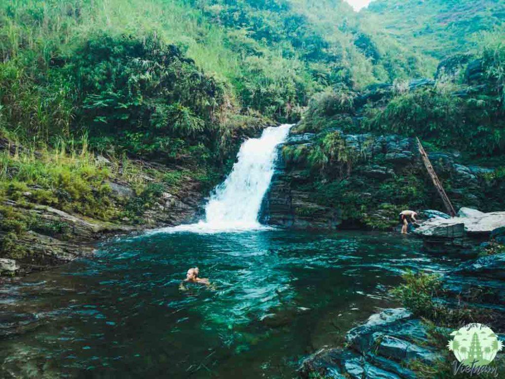cascadas de du gia, ha giang loop