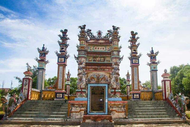 cementerio de an bang, hue, vietnam