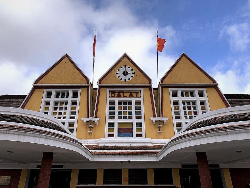 estacion del tren en dalat vietnam