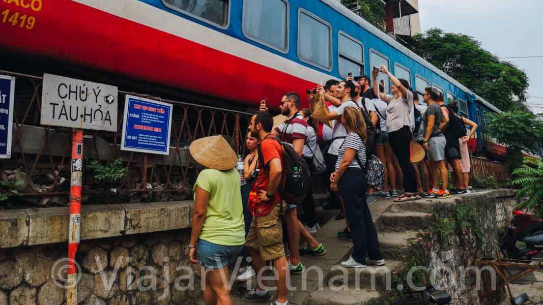calle del tren de hanoi cerrada